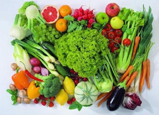 Có thể ăn các loại trái cây và rau xanh (trừ khoai tây, chuối)