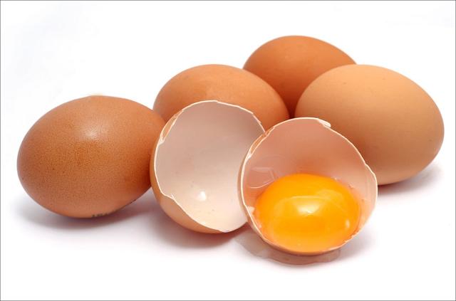 ăn gì để béo- Trứng giàu chất đạm và canxi