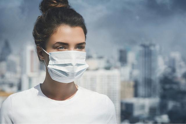 Ô nhiễm và bụi bẩn làm suy yếu lớp bảo vệ tự nhiên của làn da
