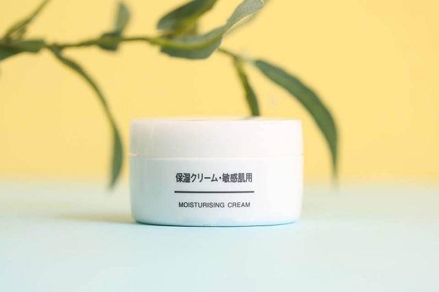 Kem dưỡng ẩm Muji Moisturising Cream giúp nuôi dưỡng da từ sâu bên trong