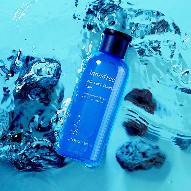 Toner Jeju Lava Seawater Skin là món quà cho làn da đến từ đại dương cùng các chiết xuất tự nhiên