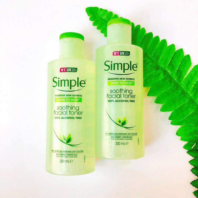 Kind To Skin Soothing Facial Toner có thành phần đơn giản, nhẹ dịu giúp làm sạch và cấp ẩm hiệu quả