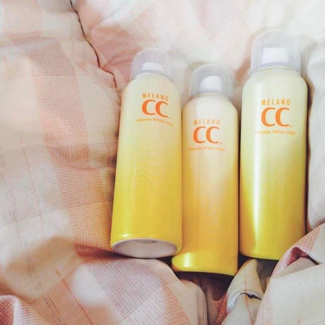 Xịt khoáng CC Melano được đưa vào quy trình dưỡng da cả ngày giúp da khỏe mạnh và dưỡng trắng