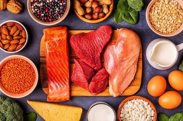 Cần bổ sung đầy đủ nhóm chất đạm vào trong bữa ăn