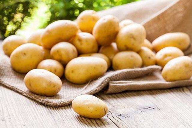 Trị thâm mụn bằng khoai tây đem đến hiệu quả khá bất ngờ