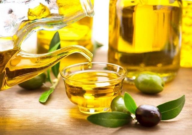 Cách trị nám bằng mật ong kết hợp dầu oliu mang lại hiệu quả giảm thâm nám