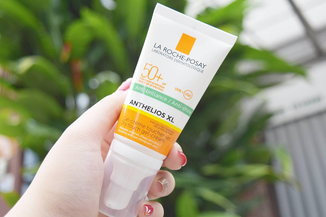 Anthelios XL Dry Touch SPF50+