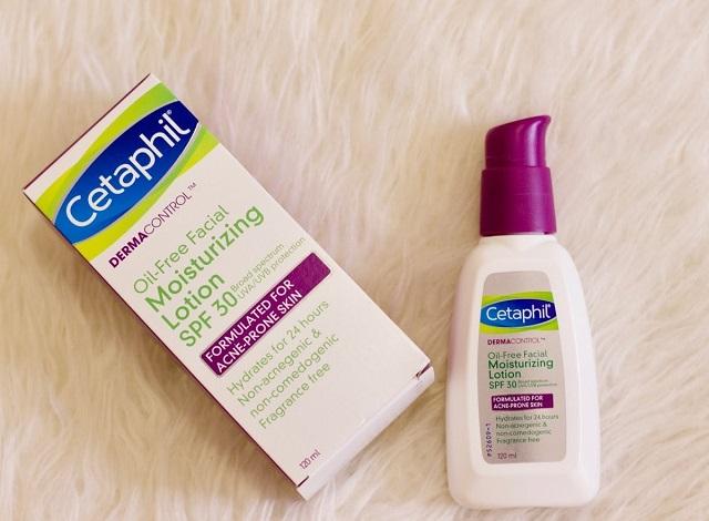 Kem dưỡng ẩm Cetaphil có thành phần lành tính phù hợp với da nhạy cảm, da nhờn mụn