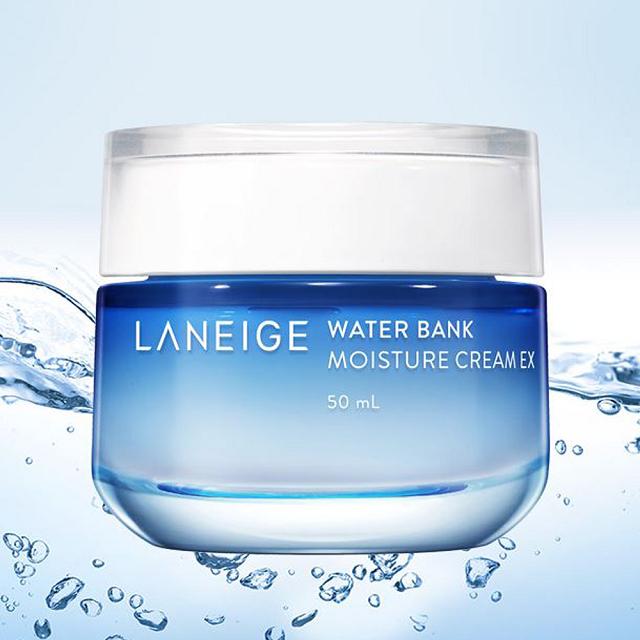 Laneige Water Bank Moisture Cream duy trì độ ẩm cho làn da cơ thể 24/24 để da luôn đủ ẩm.