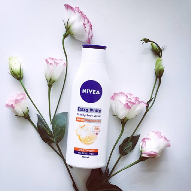 Sữa Dưỡng Thể Trắng Da Nivea Extra White có chỉ số chống nắng SPF30