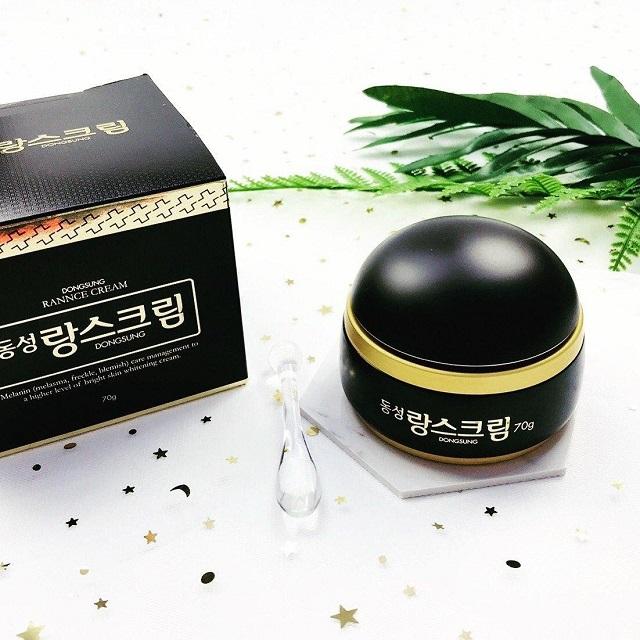 Kem trị nám Dongsung hiện đang được bán với mức giá khoảng 430.000đ đến 480.000đ cho 1 hũ 70 gram