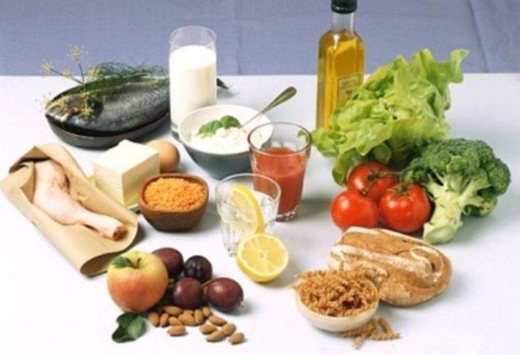 Bổ sung đầy đủ dinh dưỡng là điều cần thiết giúp nhanh chóng tăng cân