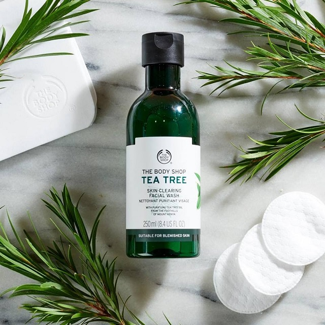 Toner chăm sóc da The Body Shop Tea Tree Skin Clearing Toner