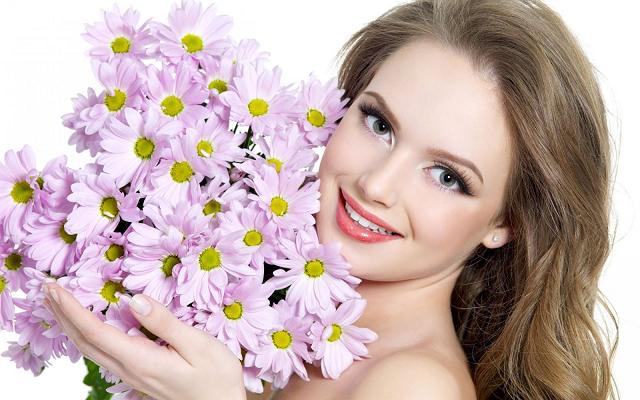 Lựa chọn những toner có nguồn gốc tự nhiên cho da nhạy cảm