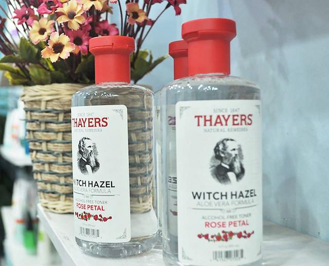 Witch Hazel Facial Toner – Cucumber của Thayers không chứa cồn và paraben