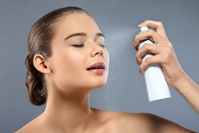 Có nên dùng xịt chống nắng cho da không